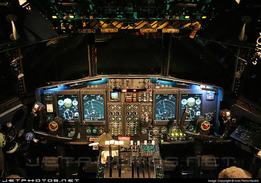 CabinadelC-130HdelaFAV.jpg