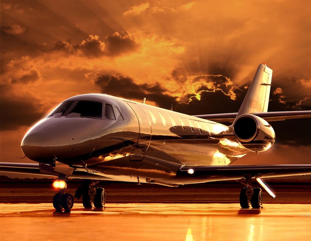 Sovereign6Desert-Jet-provides-private-je