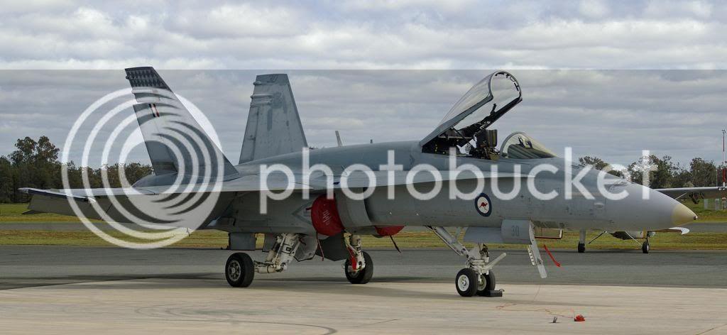 RAAF_A21-30_McDonnell_Douglas_FA-18A_Hor