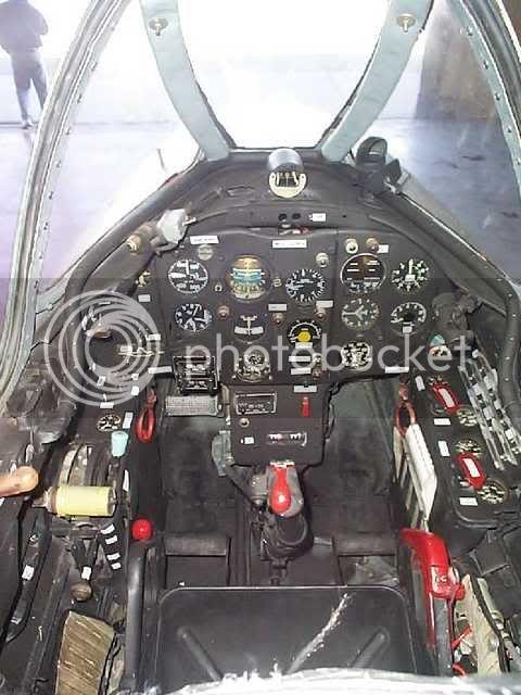 MiG_cockpit21.jpg