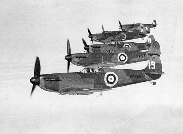 Spitfires_19-Sqn_zps730542c4.jpg