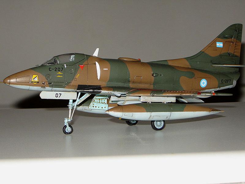 A-4P_48f.jpg