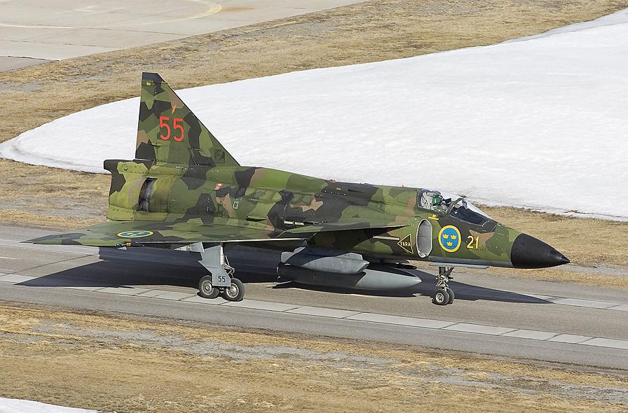 aj37-viggen-with-splinter-pattern-camouflage-www-dappa-nl.jpg