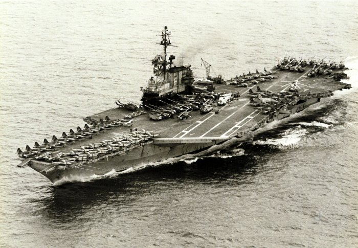 USS_Midway_transporting_ex-VNAF_aircraft