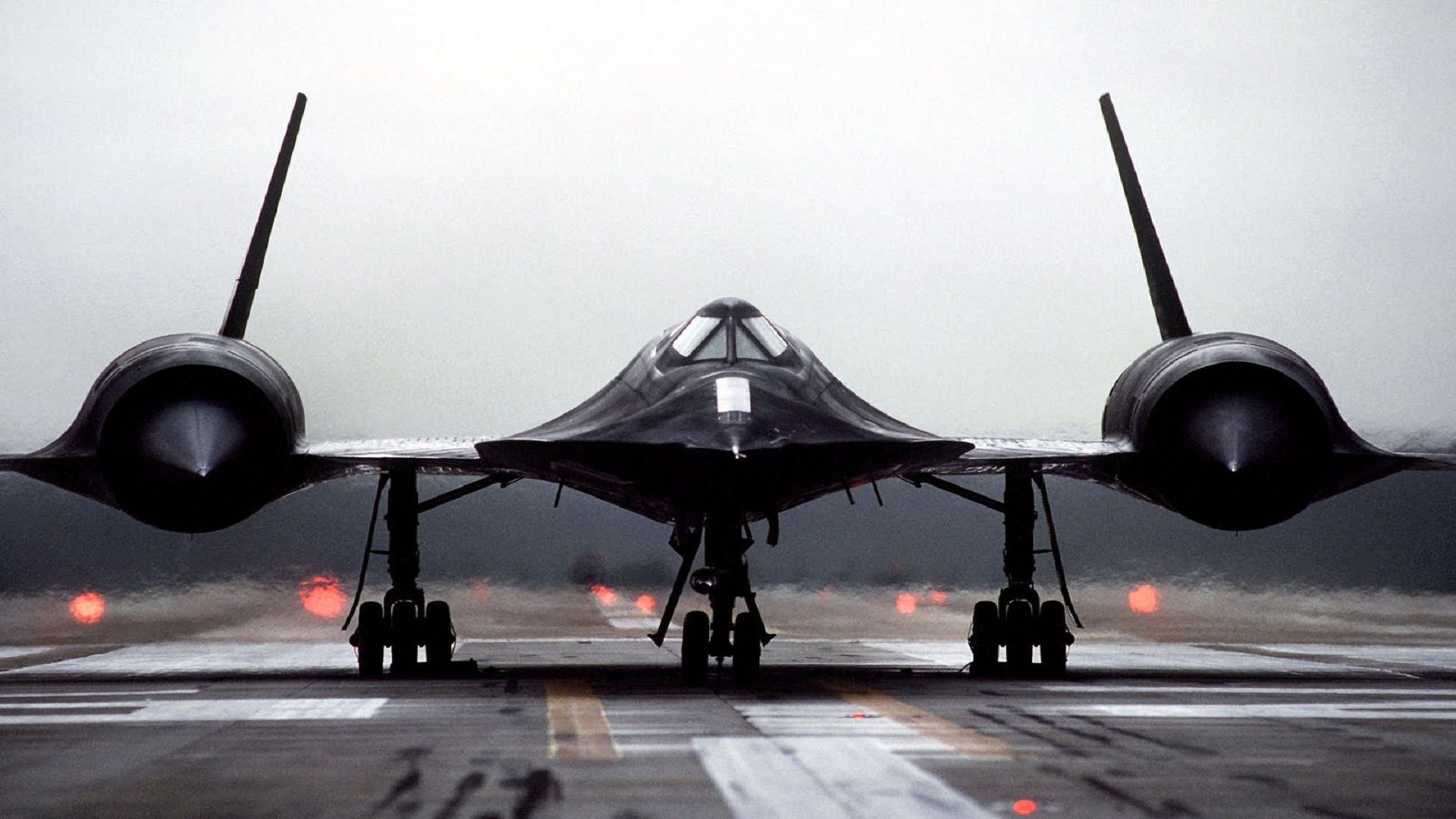 front-view-of-sr-71-aircraft.jpg