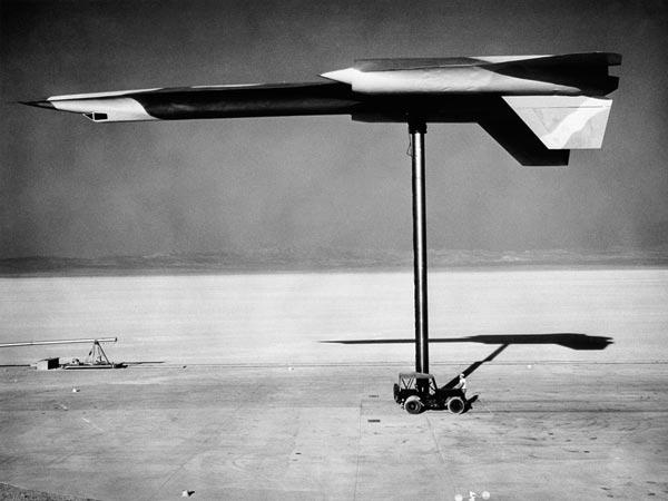 Lockheed_A12_radar_testing_at_Area51.jpg