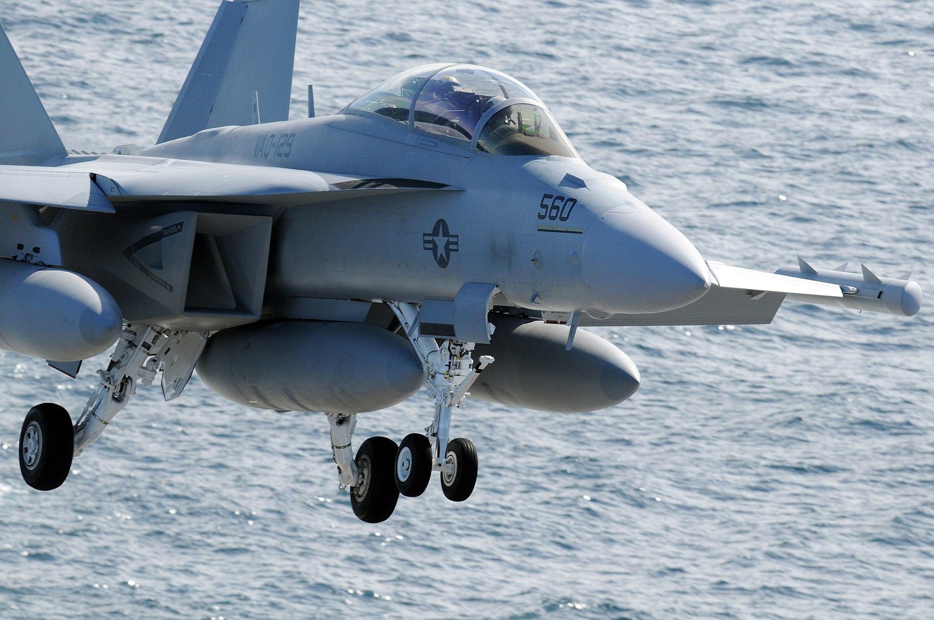 1920px-US_Navy_090217-N-3610L-243_An_EA-