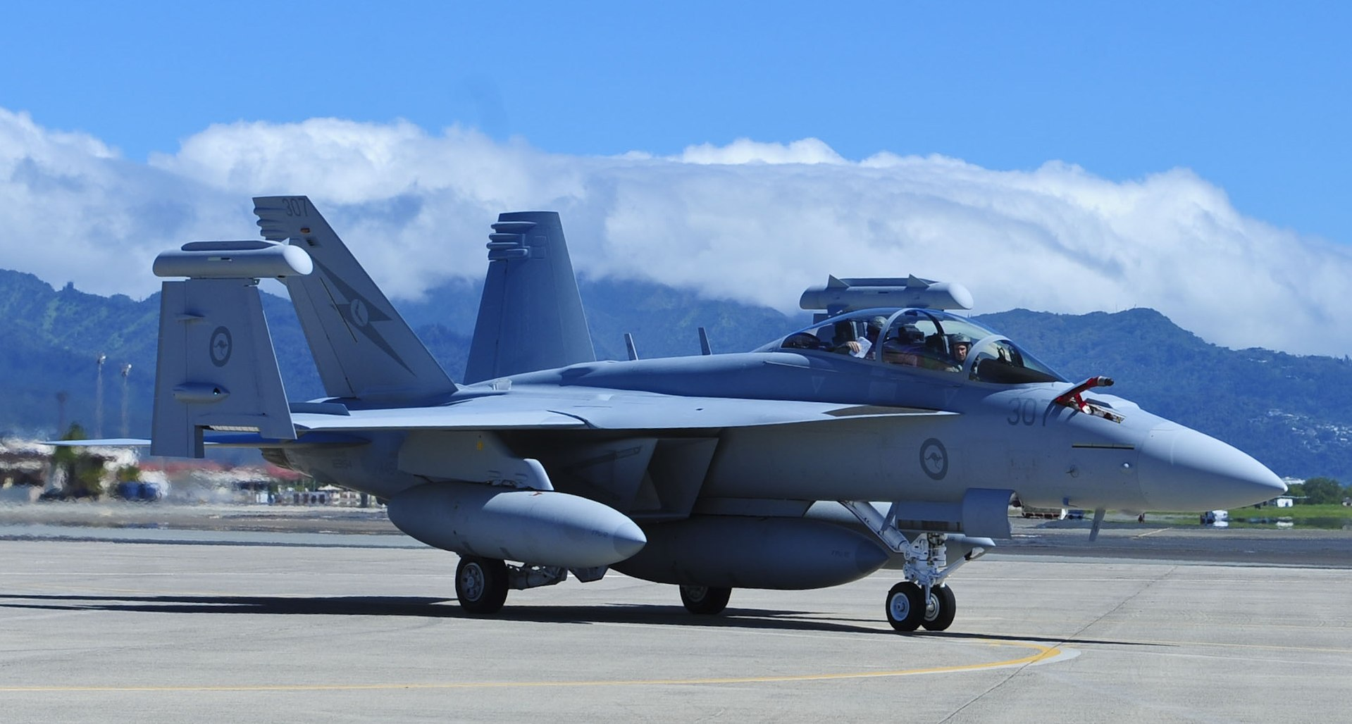 1920px-Australian_EA-18G_at_Joint_Base_P