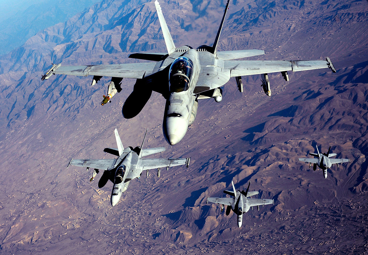 1280px-F-18's_are_refueled_in_Afghanista