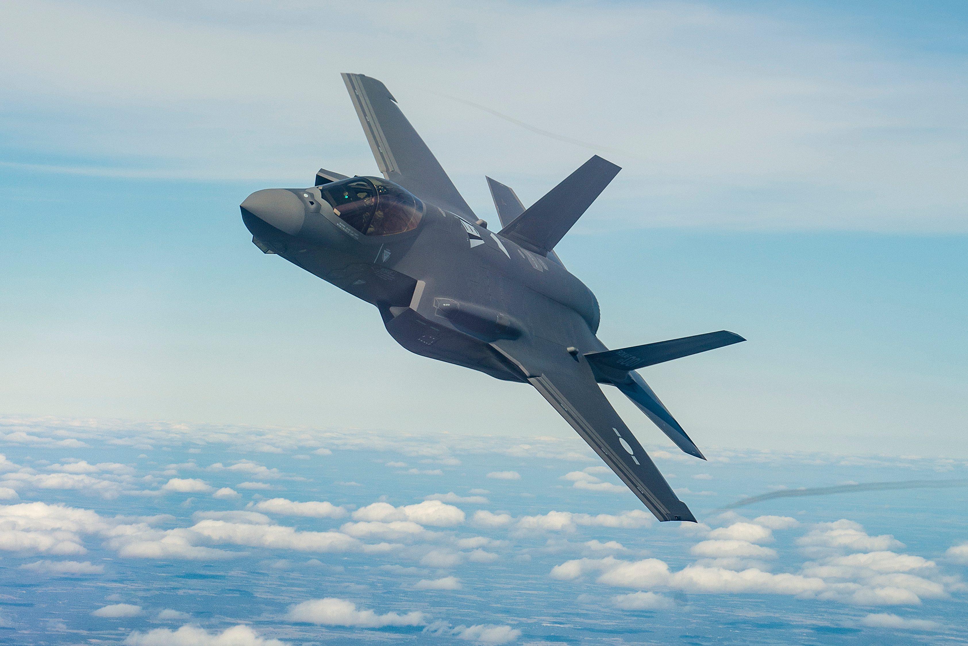 F-35A_AW1_FP18-02112-0056_PR.jpg.pc-adap