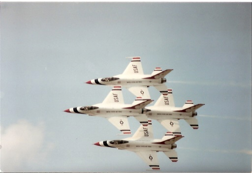 F-16 thunderbird diamond.jpg