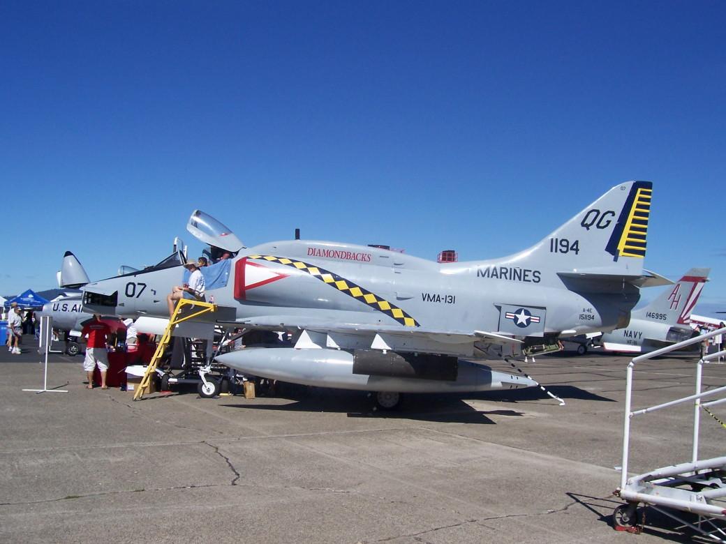 A-4E Sjyhawk.JPG