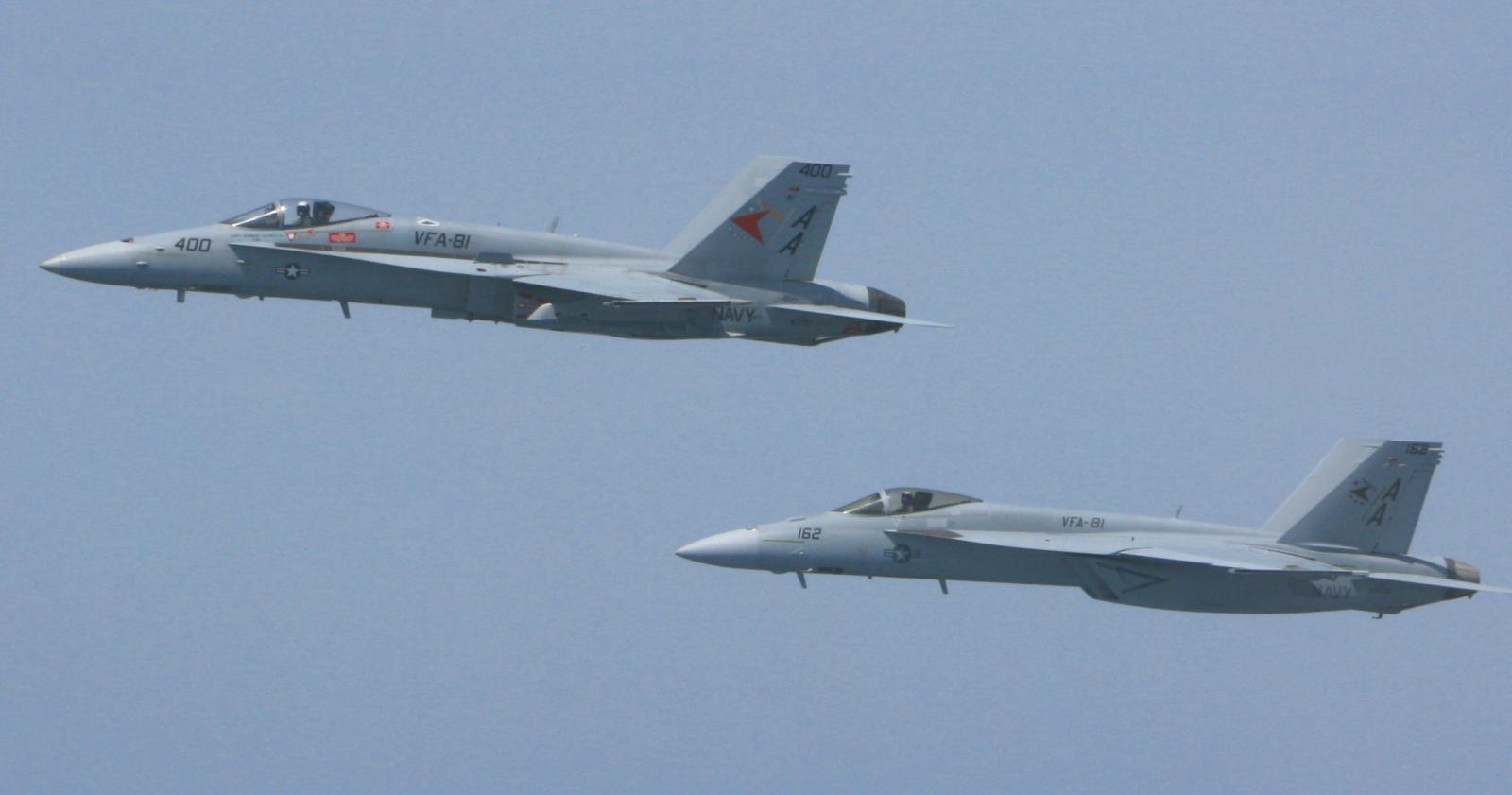 F-18C (400) and F-18E (162) later became 200