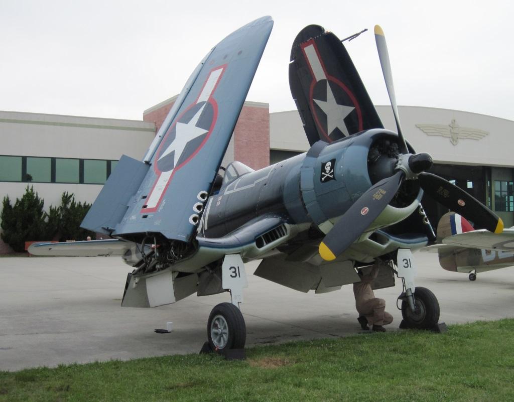 Goodyear FG 1D Corsair (1)