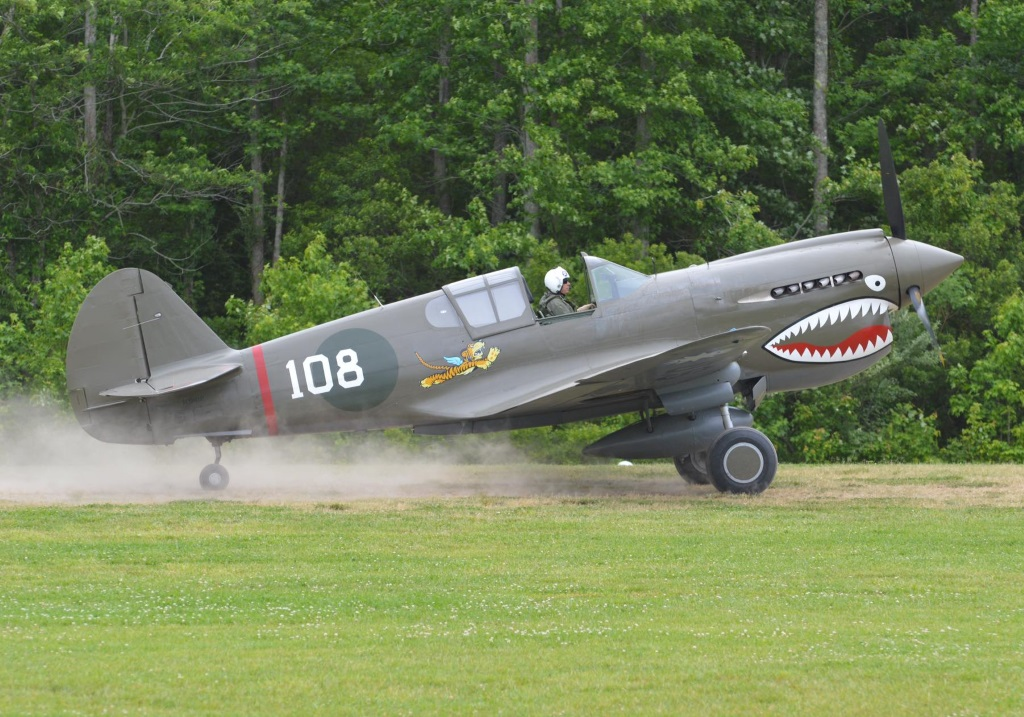 Curtiss Wright P 40E Kittyhawk (2)
