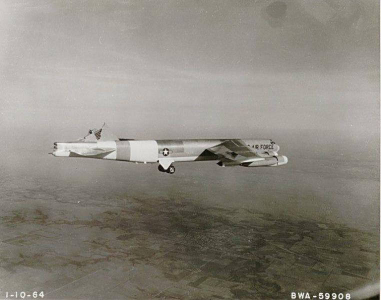 p2-B-52-no-tail.jpg
