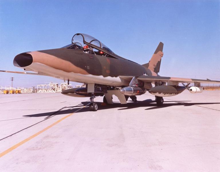 F-100F-USAF.jpg