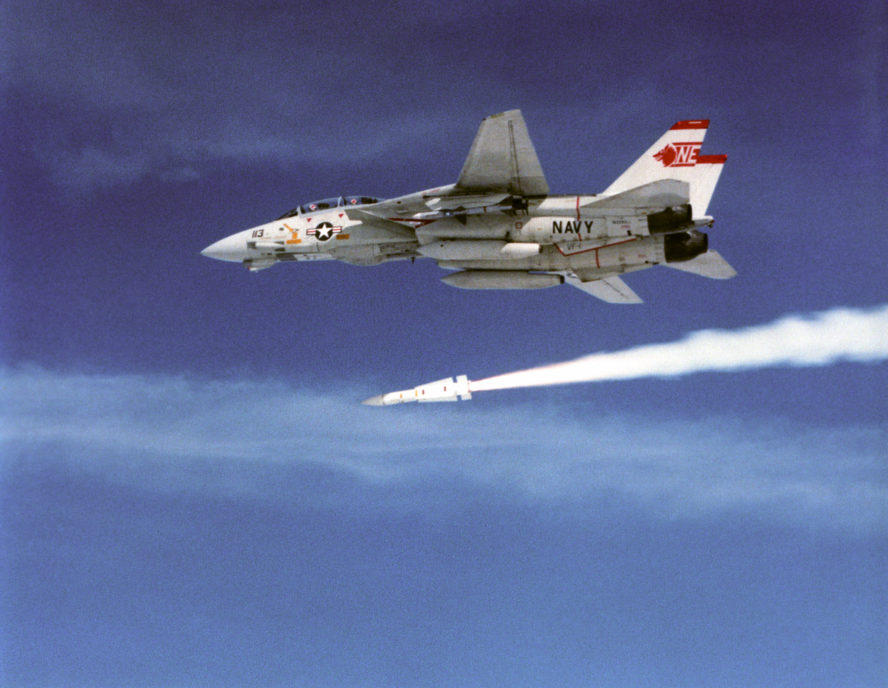 F-14A_VF-1_launching_AIM-54_Phoenix.jpg