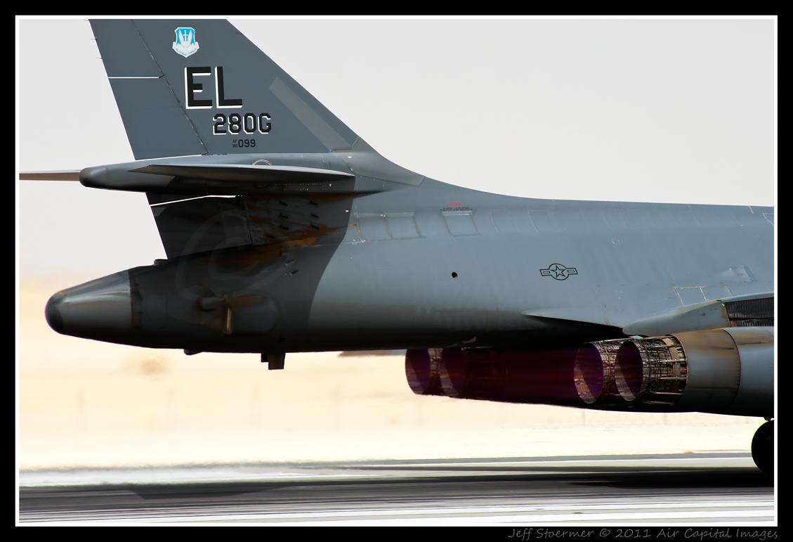 B-1B 86-0099 OTBH 22072011 Bb.jpg