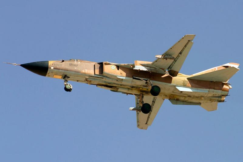 Sukhoi_Su-24MK_of_IRIAF_flighting_over_Shiraz.jpg