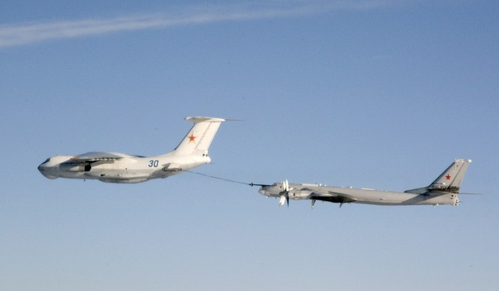 Il-78-refueled.jpg