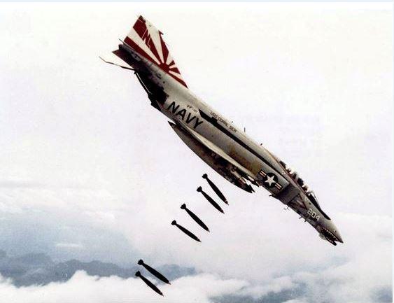 5ab80e55c9793_F-4BbombsfromUSN.jpg.fc697a6bde4d1d1fc3bc03564badee93.jpg