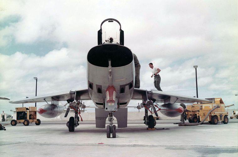 1280px-North_American_F-100D_060922-F-1234S-002.jpg.6c785fd63c47f099d55aca8b03688ac7.jpg