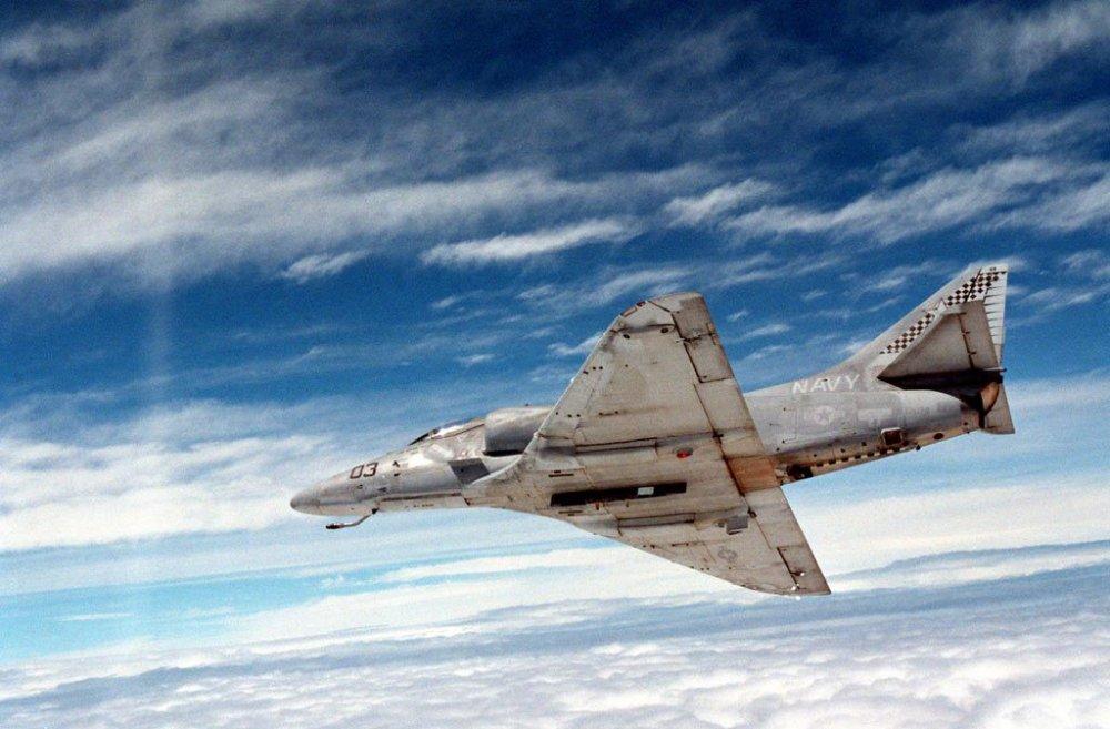 VC-5-Skyhawk A-4E.jpg