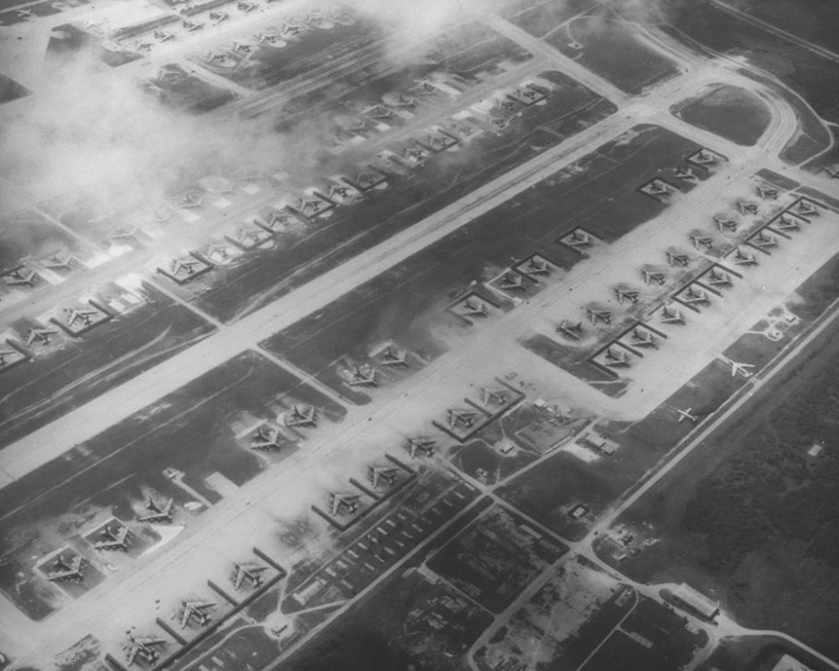 B-52-Andersen.thumb.jpg.a957be4fee777bdd29623414fccc32fc.jpg