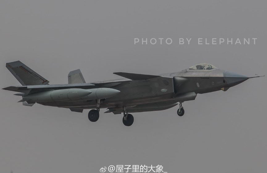 J-20-FropTanks-2.JPG.fe447594b20be518be7a2713807e6bfe.JPG