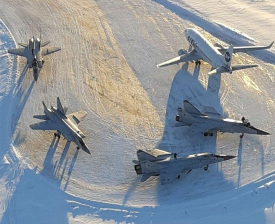 MiG-31.thumb.jpg.6f39d1f2e839b8dd5abe4b78bd73b3b6.jpg