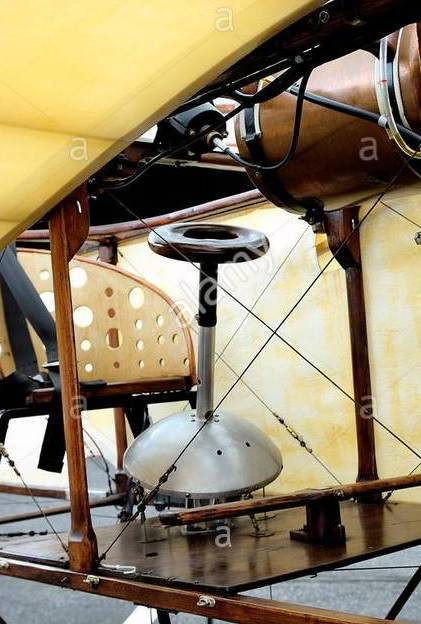 reproduction-of-the-bleriot-xi-presentation-on-the-airfield-of-mende-GGRFWM.jpg.f53534bbe7961010c9d6ac3534772ea1.jpg