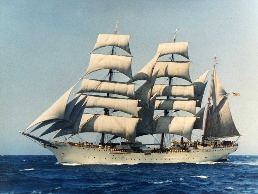 USCGC Eagle (1969).jpg