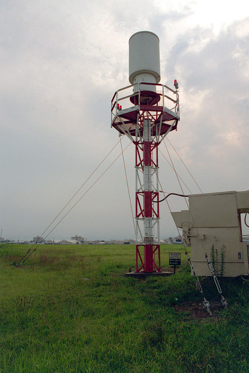 800px-TACAN_Antenna.jpg