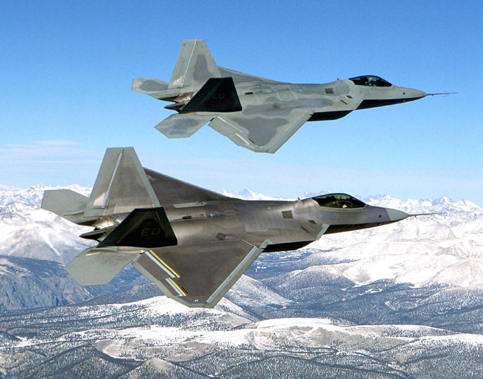 Two_F-22_Raptor_in_flying.thumb.jpg.90166d8c50b0f8305b1d42c613bcfee5.jpg
