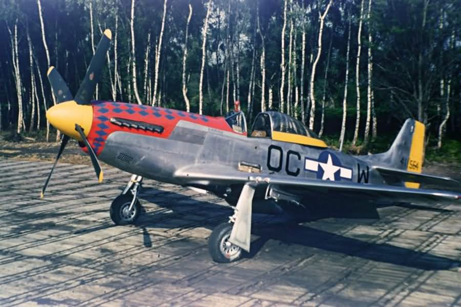 P-51D_Mustang_44-11564_356th_FG_359th_FS_Martlesham_Heath_England_1945.jpg