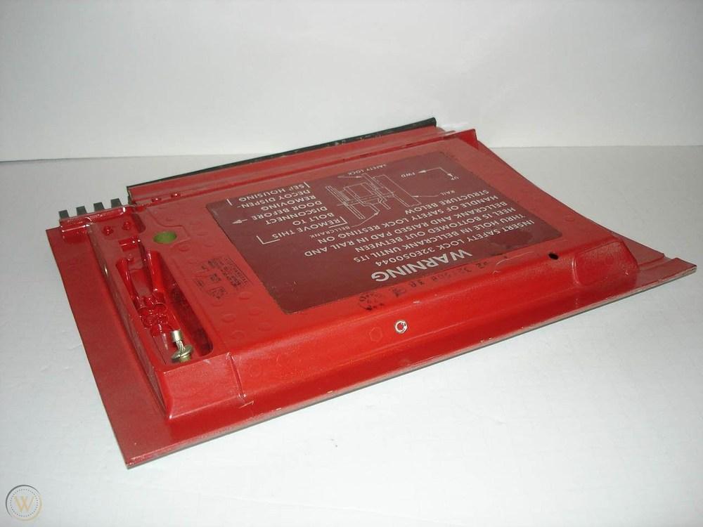4-phantom-ii-ale-29a-chaff-dispenser_1_e71d41f9dd16543481e5607b73bcce78b.thumb.jpg.7ead941c11a5226895895e059d076237.jpg